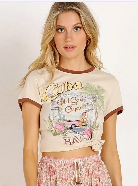 Mode rétro avec le tee-shirt vintage